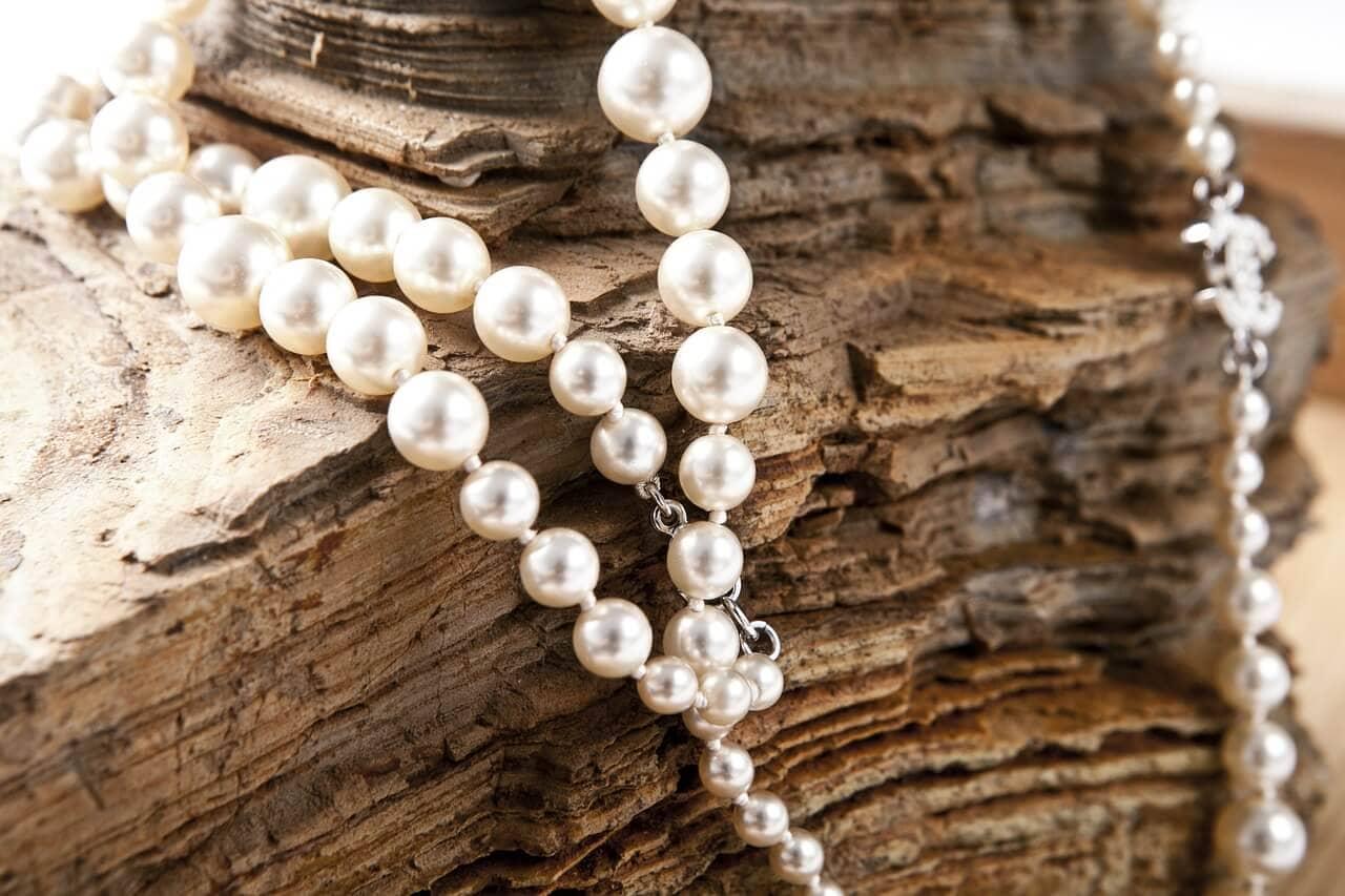 jewelry-420018_1280.jpg